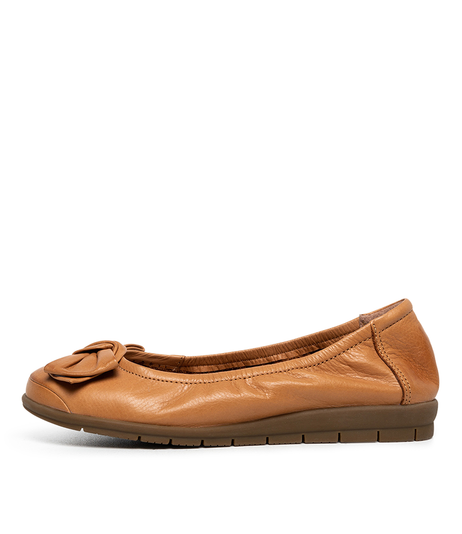 Buy Supersoft Fransisco2 Su Tan Flats online with free shipping