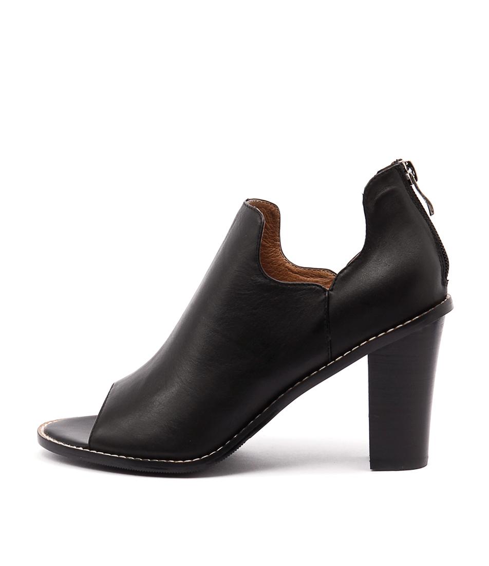 Alias Mae Ergo Black Ankle Boots