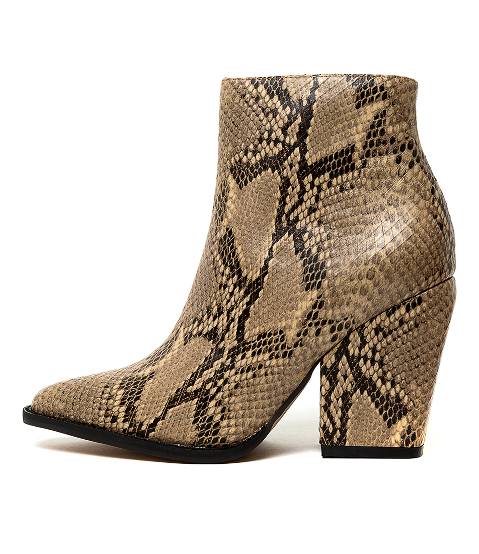 Buy Alias Mae Wella Am Beige Ankle Boots online with free shipping