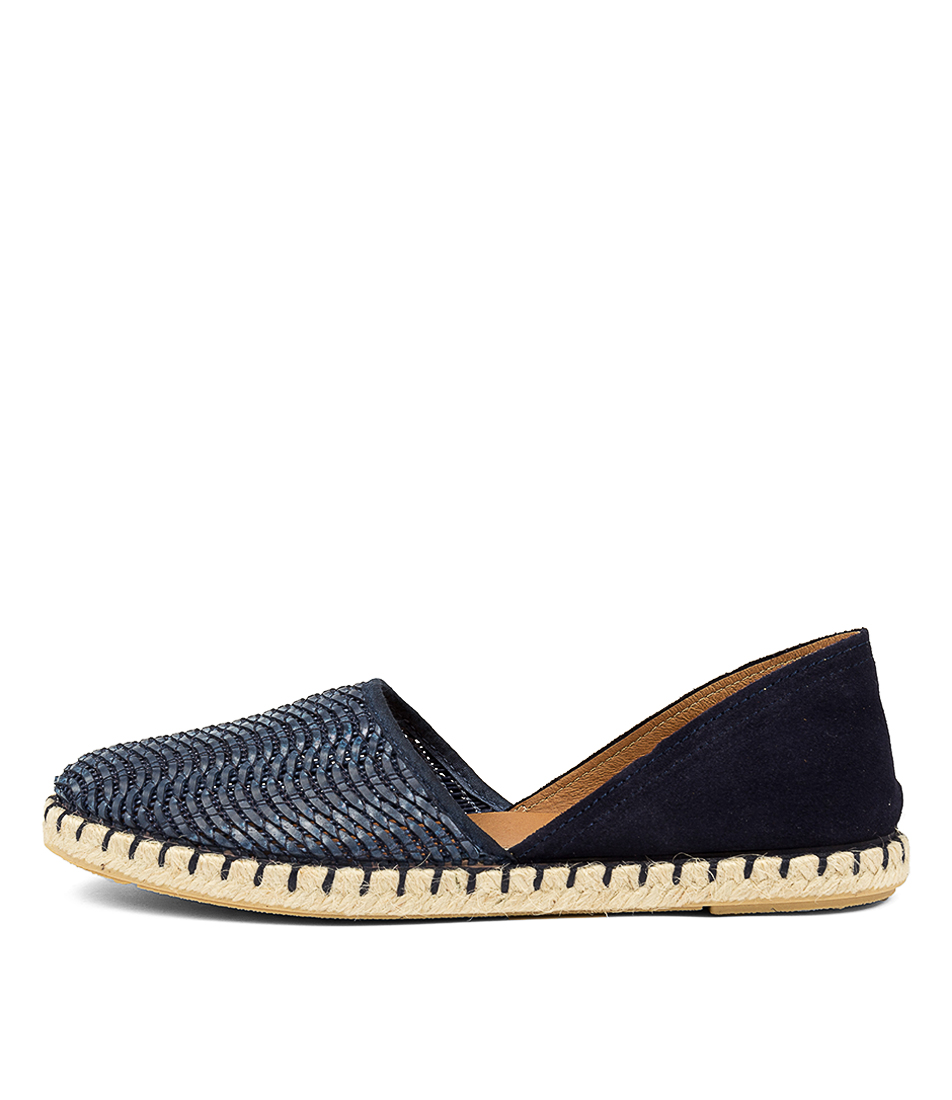 Buy Beltrami Carmen Be Navy Flats online with free shipping