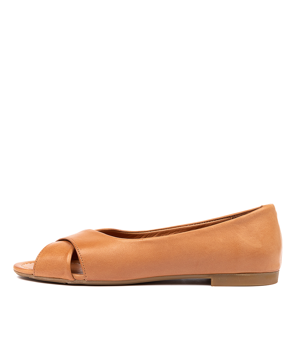 Buy Beltrami Cally Be Coconut Flats online with free shipping