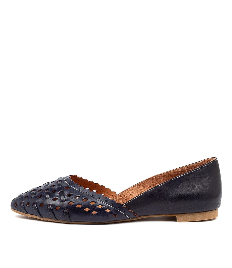 Buy Beltrami Calandra2 Be Navy Flats online with free shipping