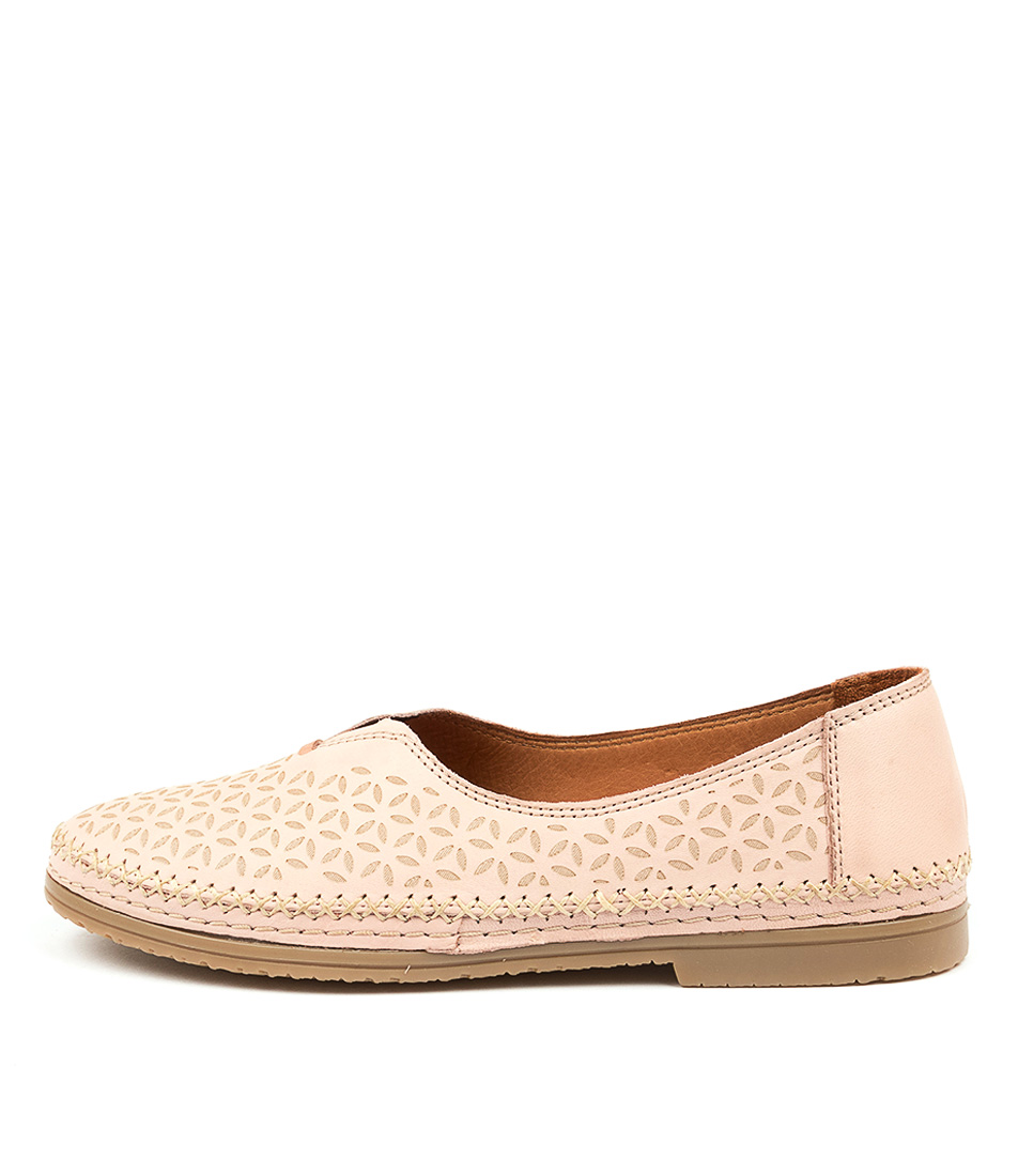 Buy Beltrami Casser Be Blush Flats online with free shipping