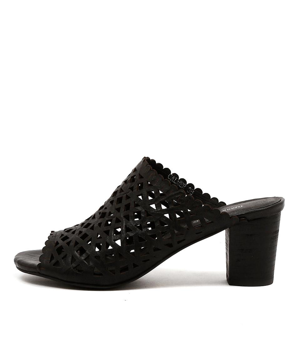 Django & Juliette Calmer Black Sandals