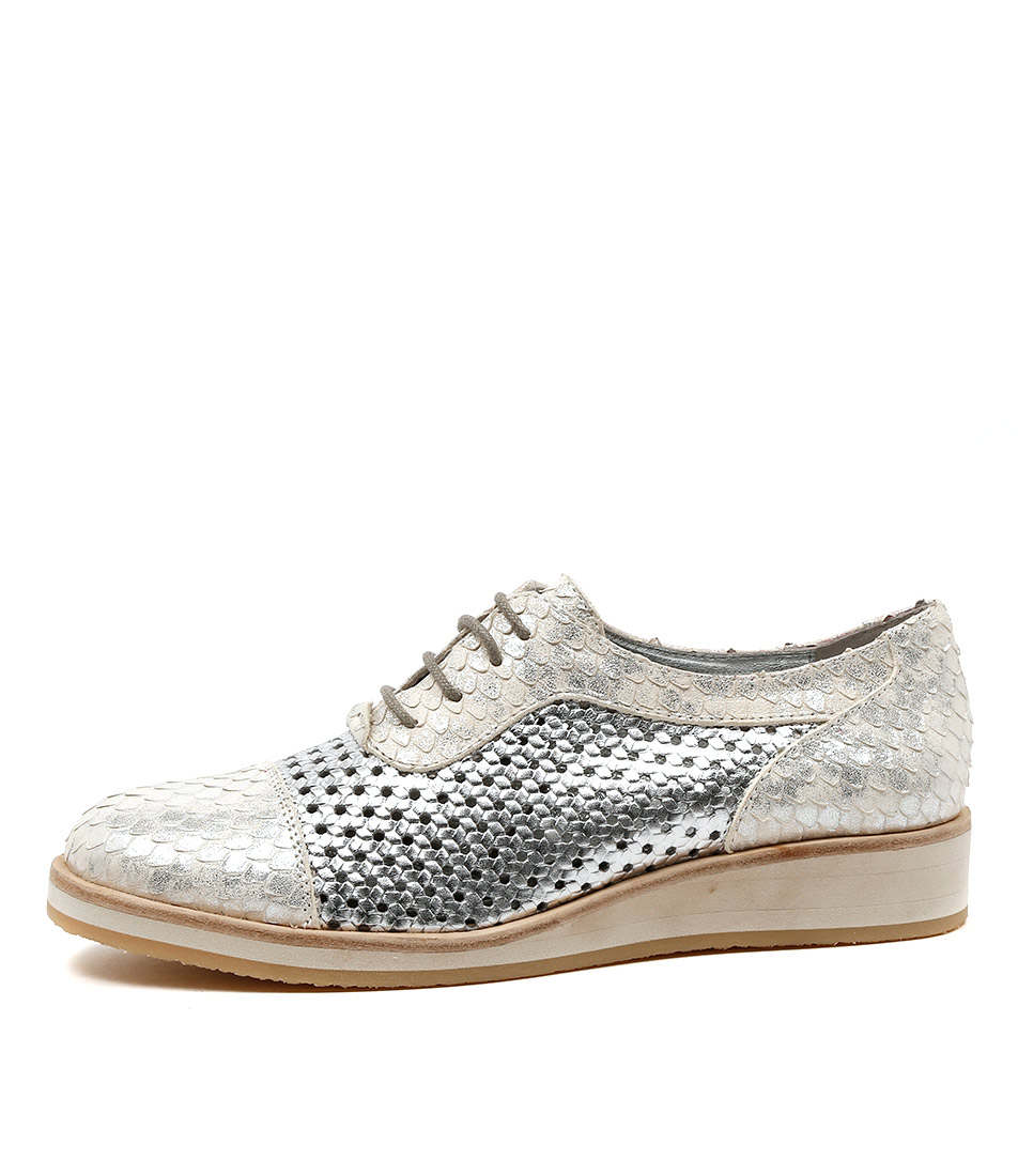 Django & Juliette Cedric Silver & White Flat Shoes