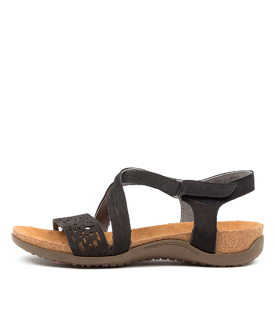 Buy Colorado Evalyn Cf Black Flat Sandals online with free shipping
