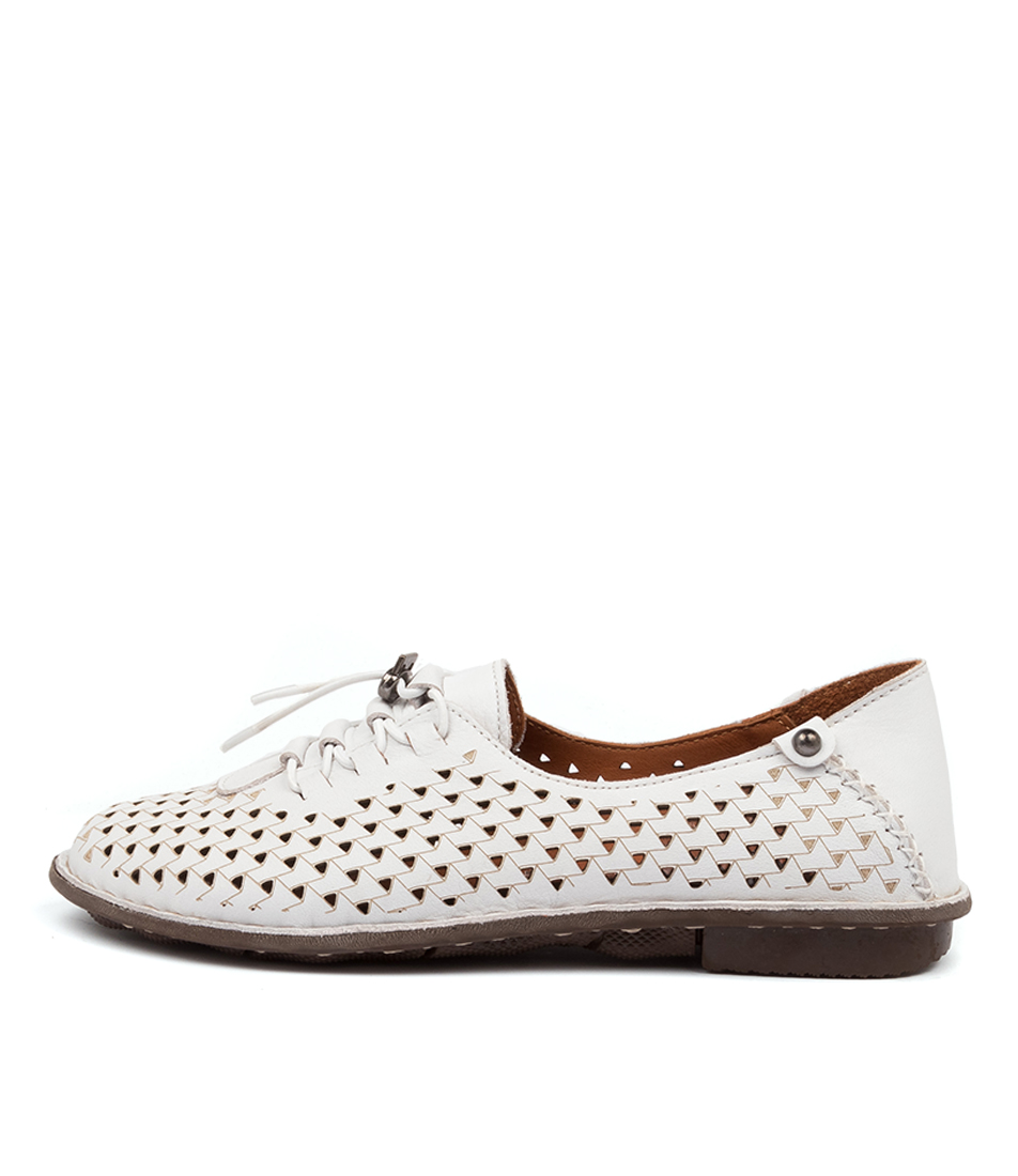 Buy Colorado Finlee Cf White Flats online with free shipping