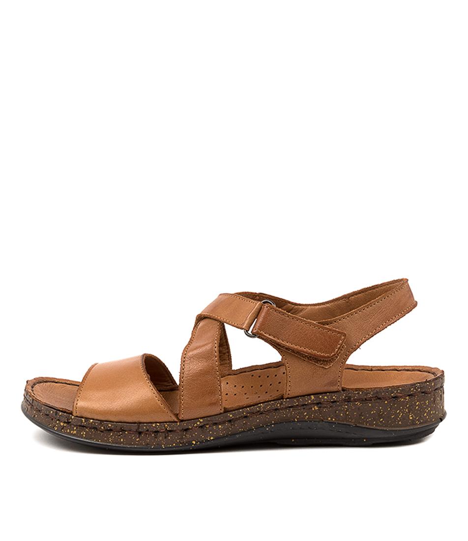 Buy Colorado Sleizia Cf Tan Flat Sandals online with free shipping