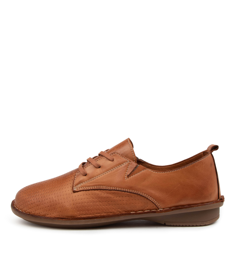 Buy Colorado Babine Cf Tan Flats online with free shipping