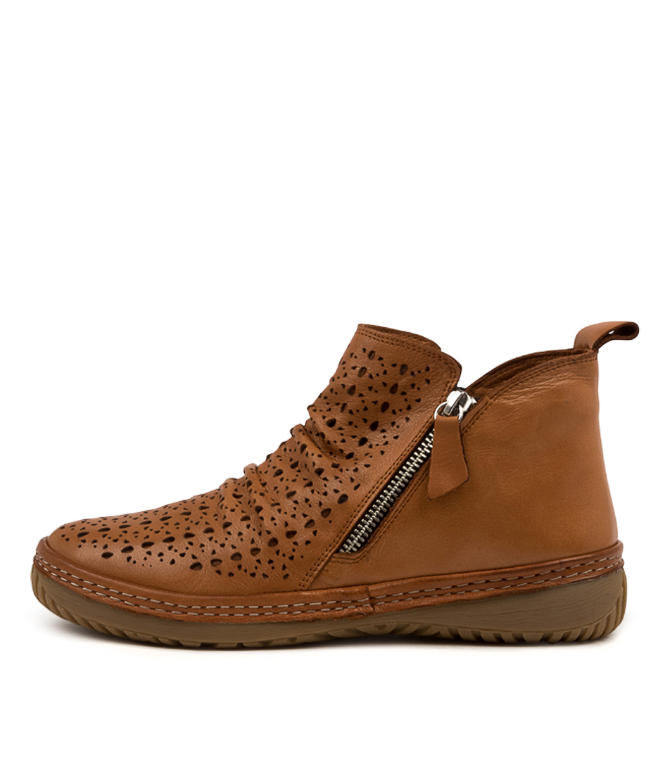 Buy Colorado Deneat Cf Tan Tan Ankle Boots online with free shipping