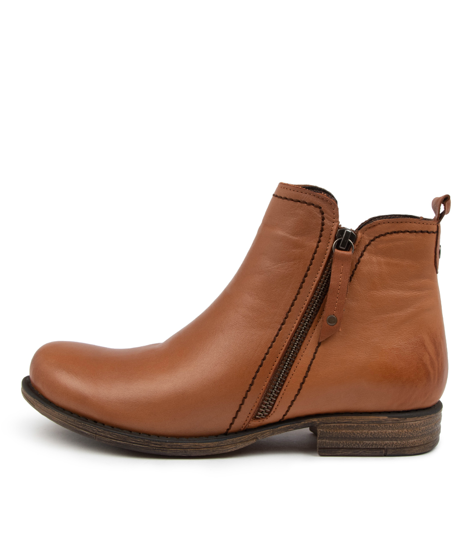 Buy Colorado Evor Cf Coconut Ankle Boots online with free shipping