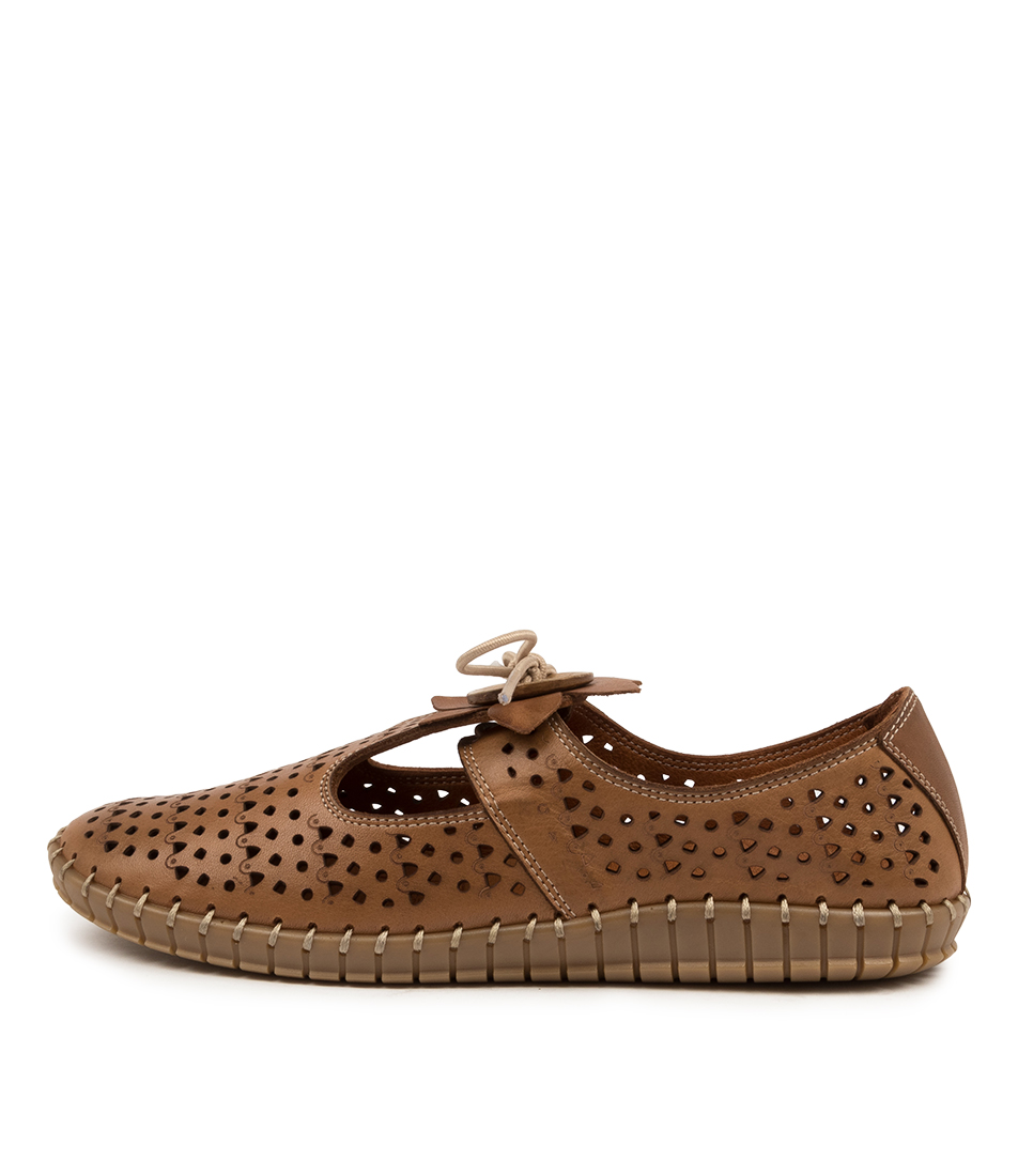 Buy Colorado Slice Cf Tan Flats online with free shipping