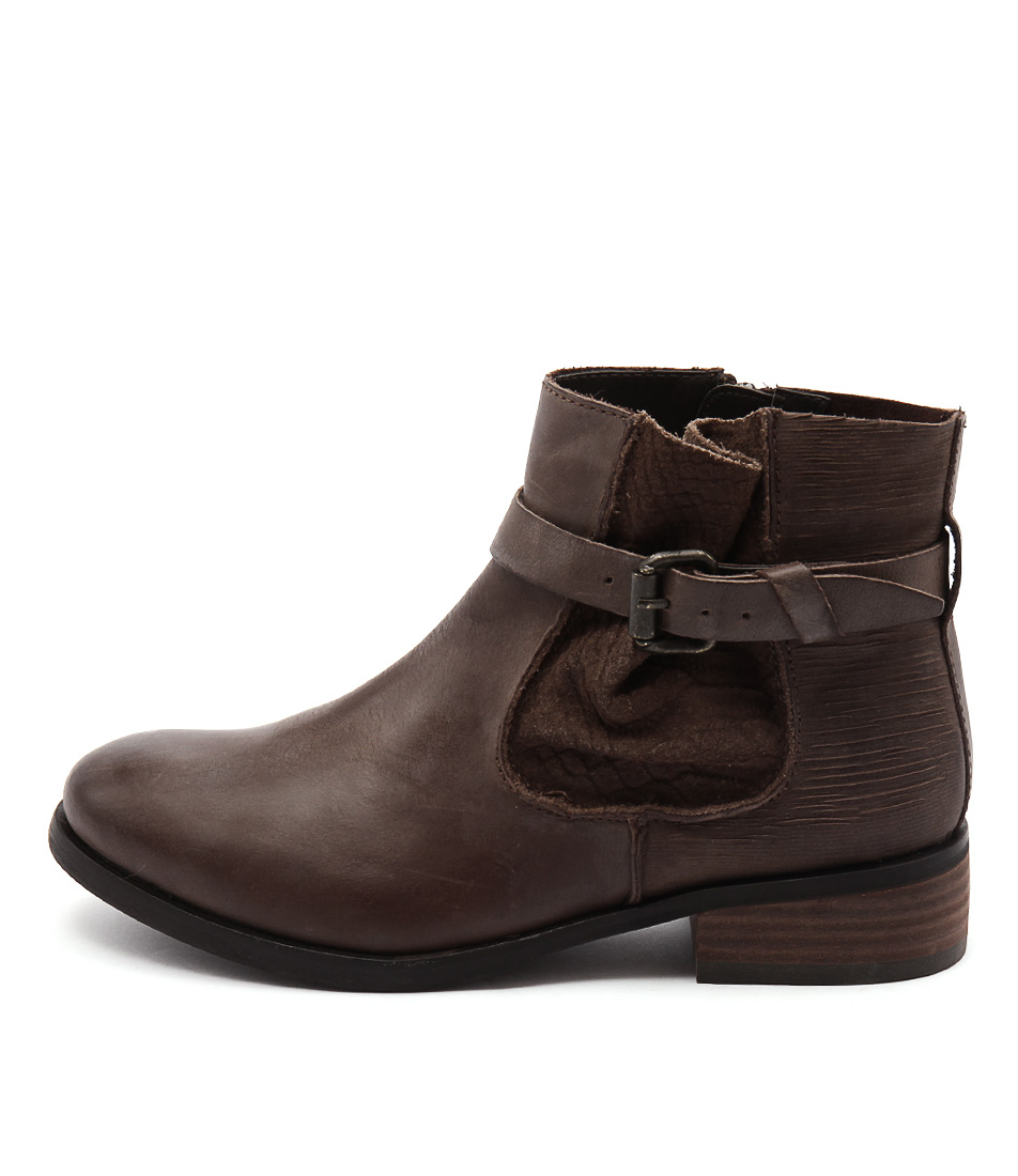 Colorado Escape Brown Ankle Boots