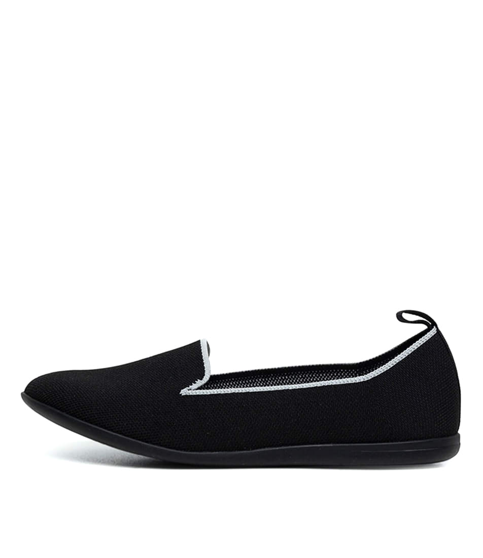Buy Diana Ferrari Anderson Df Black Flats online with free shipping