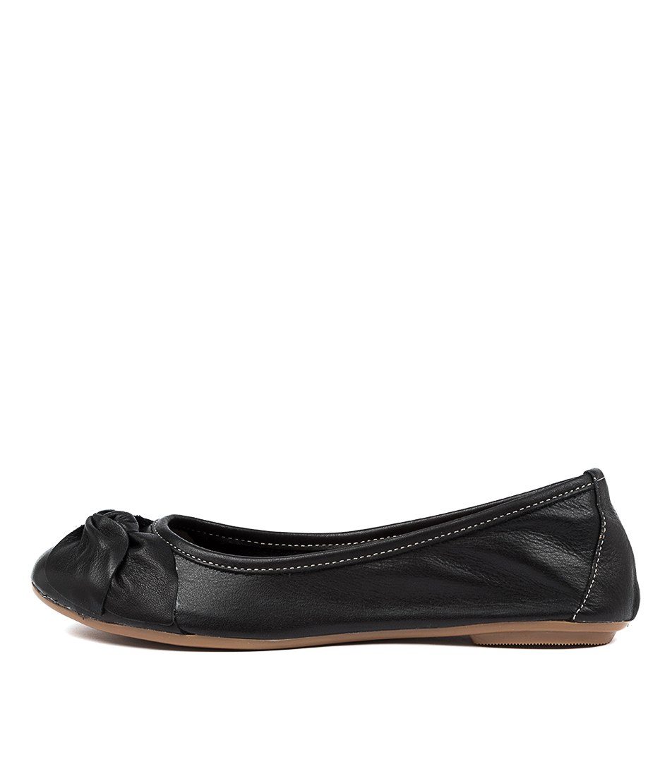 Buy Diana Ferrari Arille Df Negro (Black) Flats online with free shipping