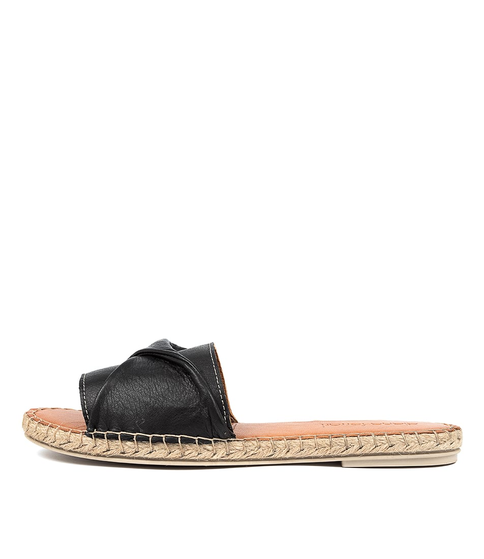 Buy Diana Ferrari Caville Df Negro (Black) Flat Sandals online with free shipping