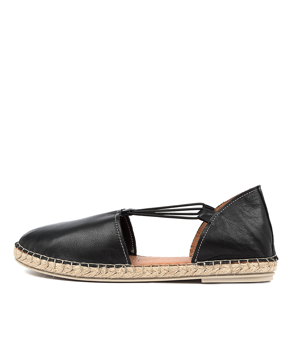Buy Diana Ferrari Humour Df Negro (Black) Flats online with free shipping