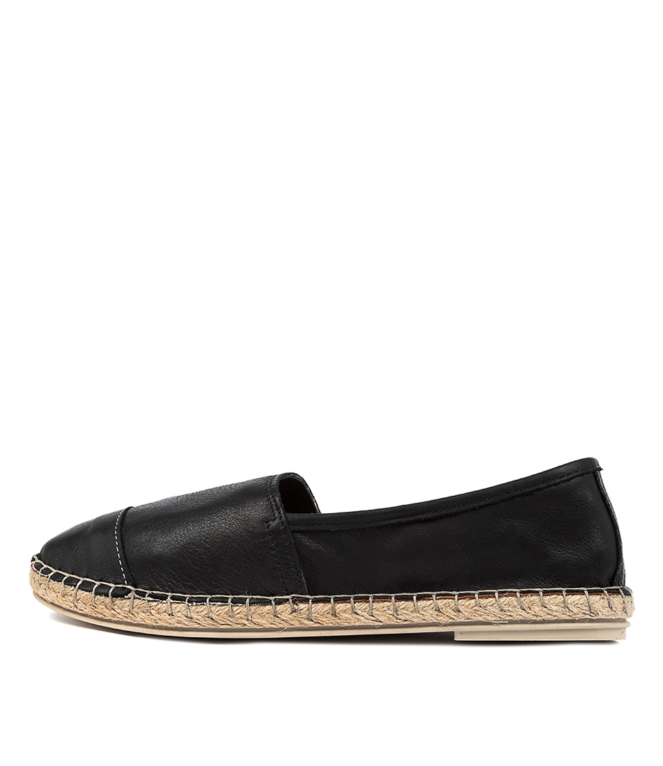 Buy Diana Ferrari Hyroad Df Negro (Black) Flats online with free shipping
