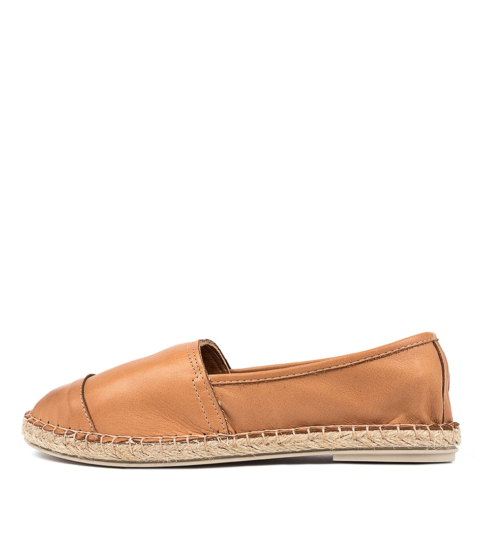 Buy Diana Ferrari Hyroad Df Cuero (Tan) Flats online with free shipping