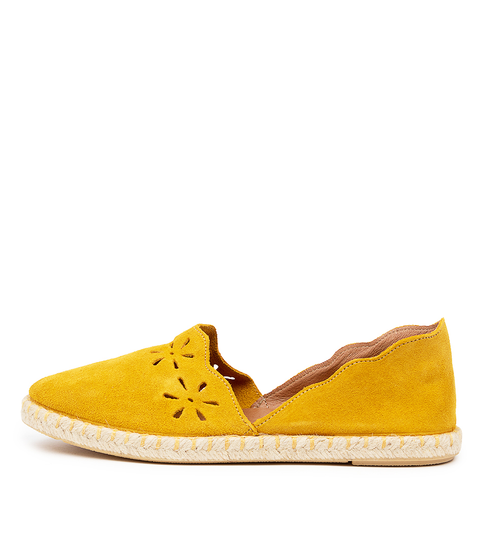 Buy Diana Ferrari Kenia Df Ocre (Mustard) Flats online with free shipping
