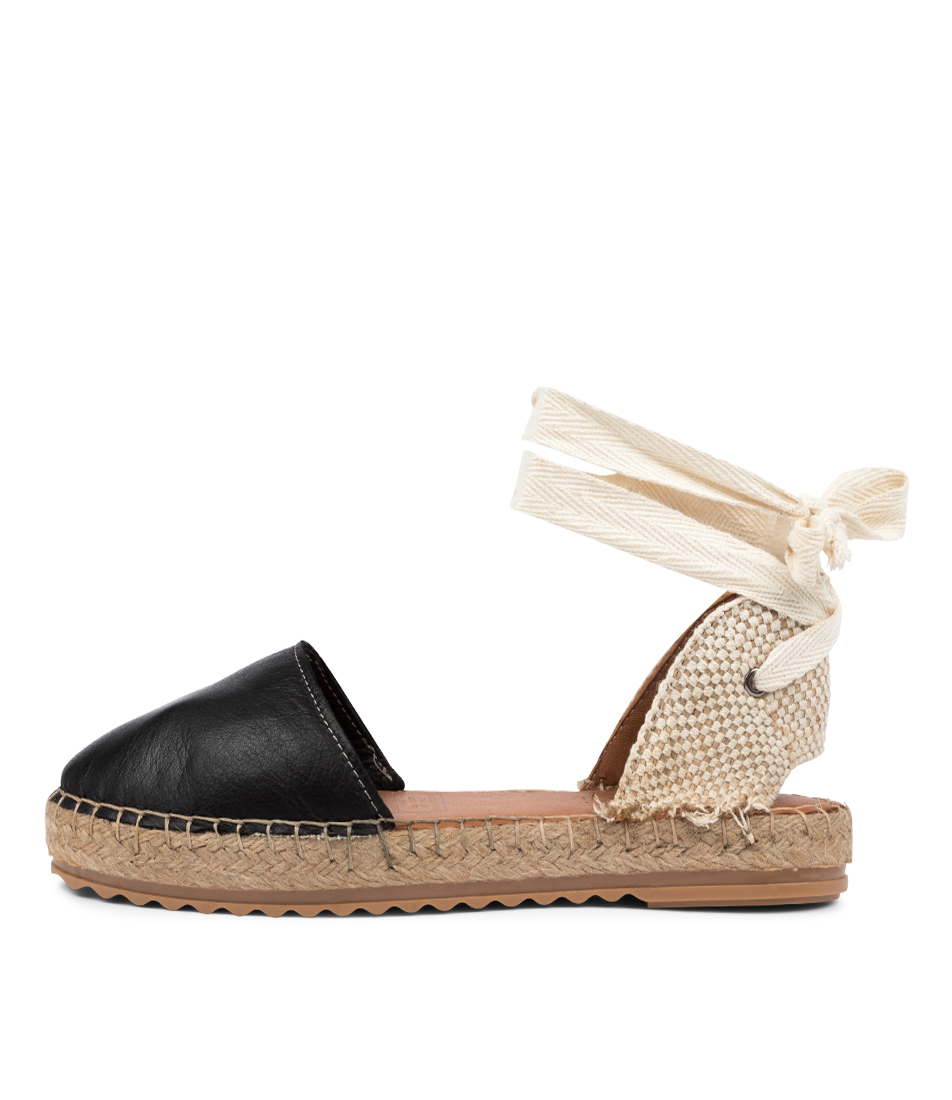 Buy Diana Ferrari Ramek Df Negro (Black) Natural Flats online with free shipping