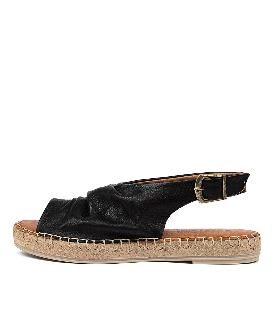 Buy Diana Ferrari Dora Df Negro (Black) Flat Sandals online with free shipping