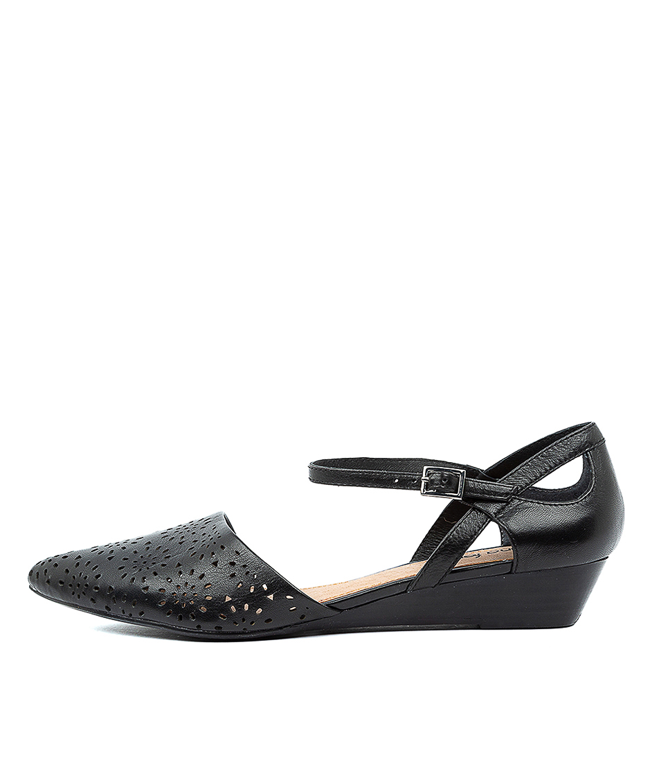 Buy Diana Ferrari Perrey Df Black E Flats online with free shipping