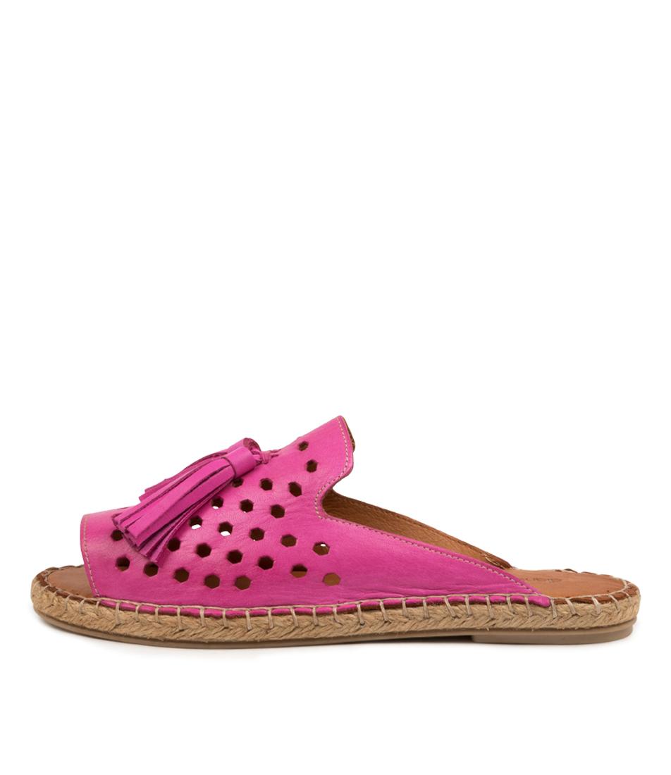 Buy Diana Ferrari Pamil Df Fuchsia Flat Sandals online with free shipping
