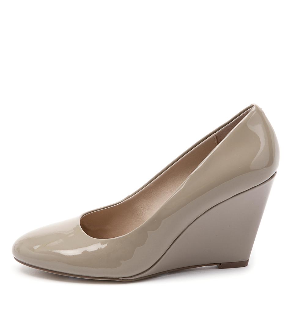 Diana Ferrari Nakisha Fawn Shoes