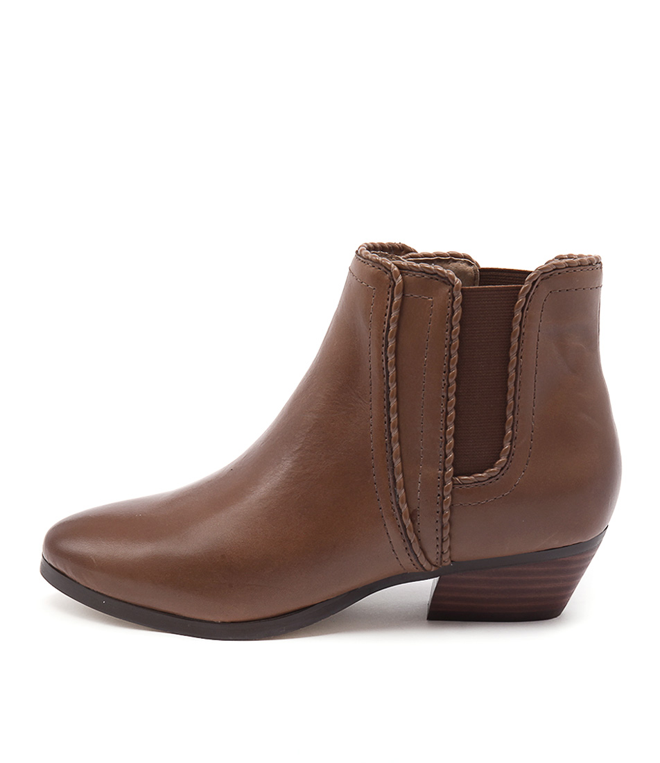 Diana Ferrari Whistler Tan Casual Ankle Boots
