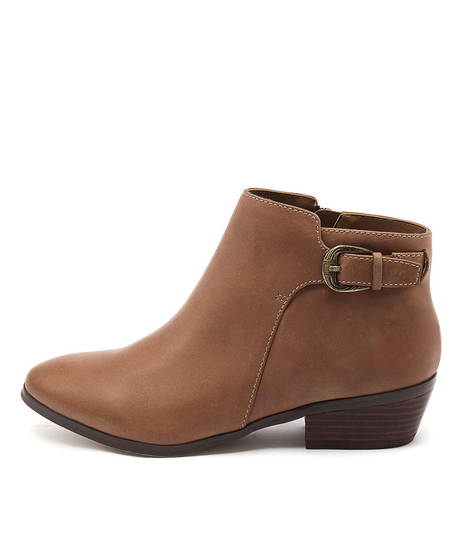 Diana Ferrari Gipsy Tan Ankle Boots