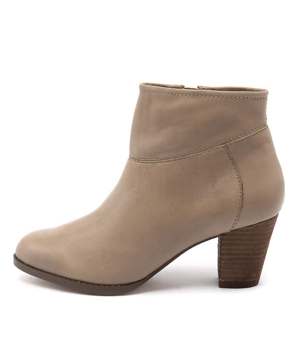 Diana Ferrari Loredo Beige Ankle Boots