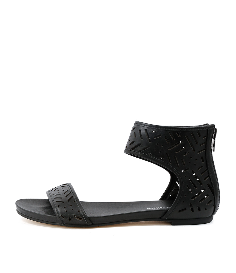 Django & Juliette Jackle Black Sandals