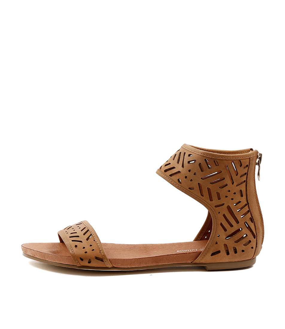Django & Juliette Jackle Tan Sandals
