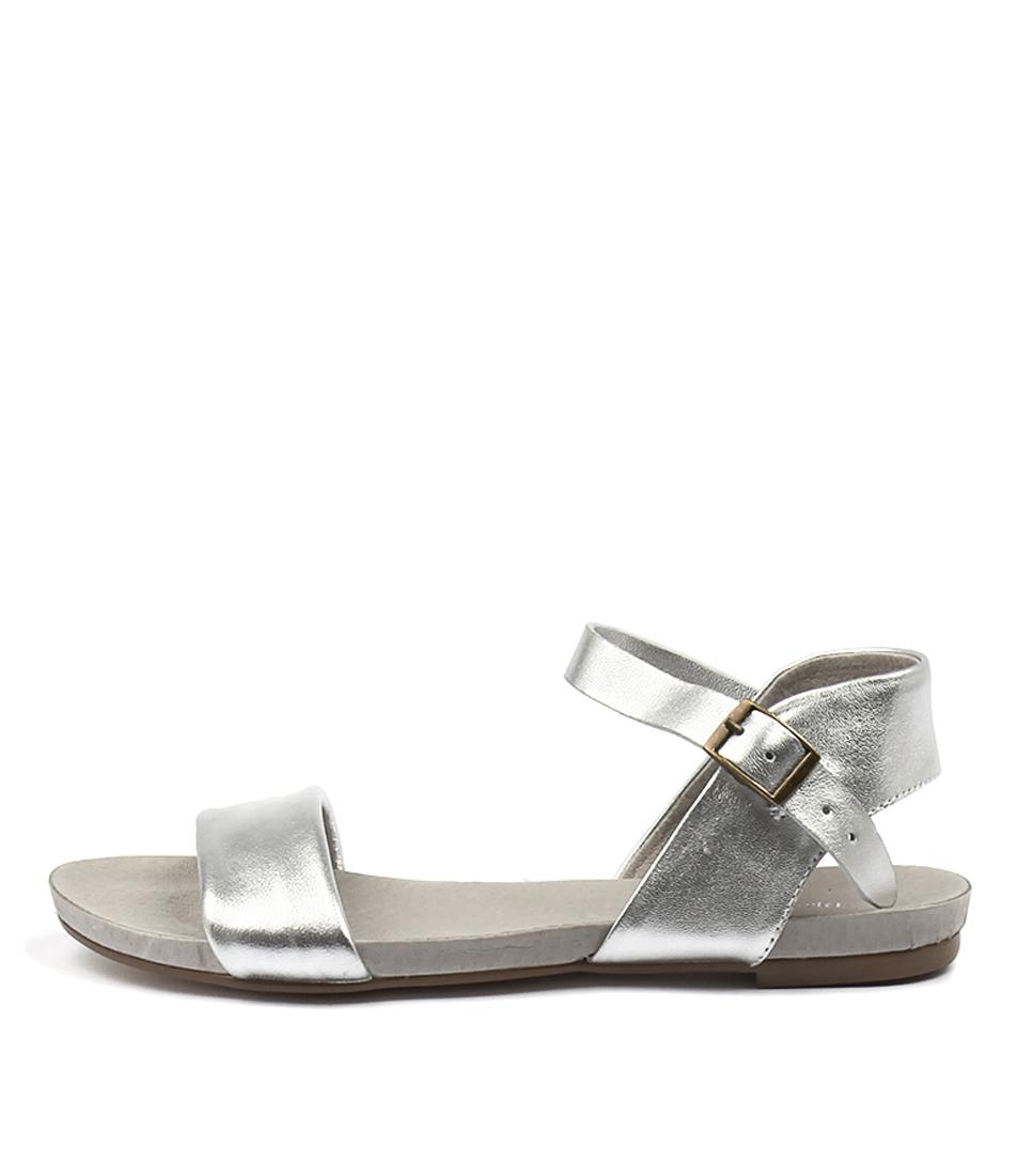Django & Juliette Jinnit Silver Silver Sandals