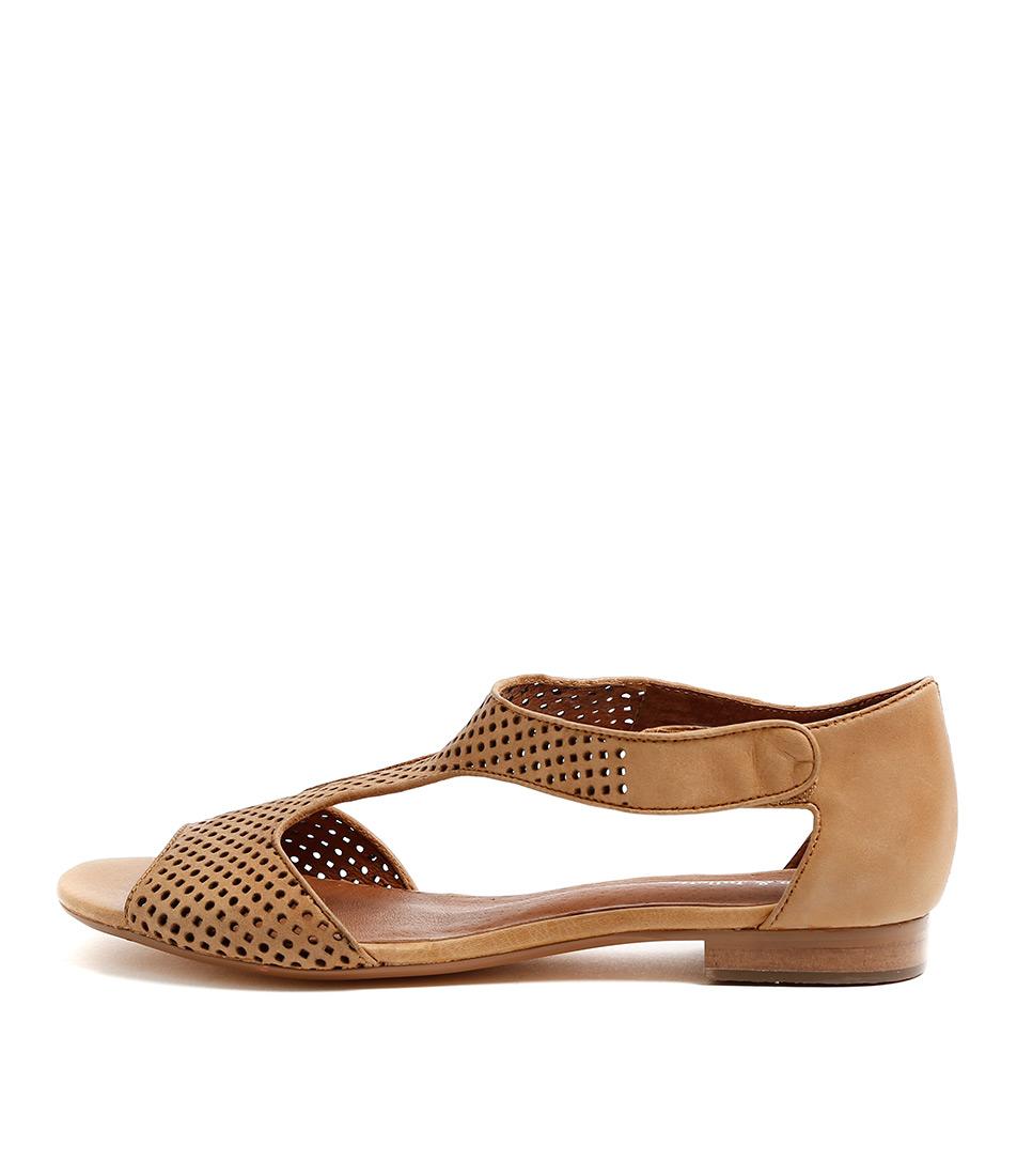 Django & Juliette Paiges Tan Casual Flat Sandals