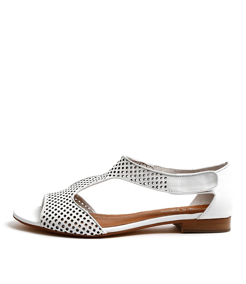 Django & Juliette Paiges White Casual Flat Sandals