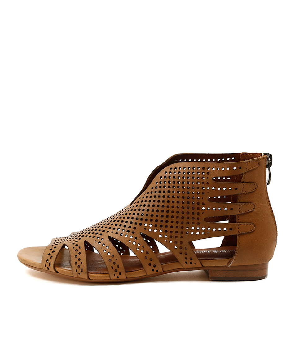 Django & Juliette Pandy Tan Casual Flat Sandals