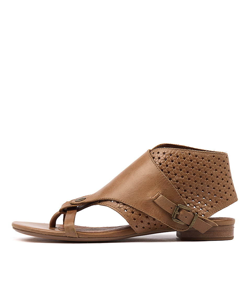 Django & Juliette Prickles Tan Casual Flat Sandals