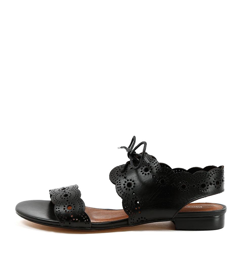 Django & Juliette Princi Black Casual Flat Sandals