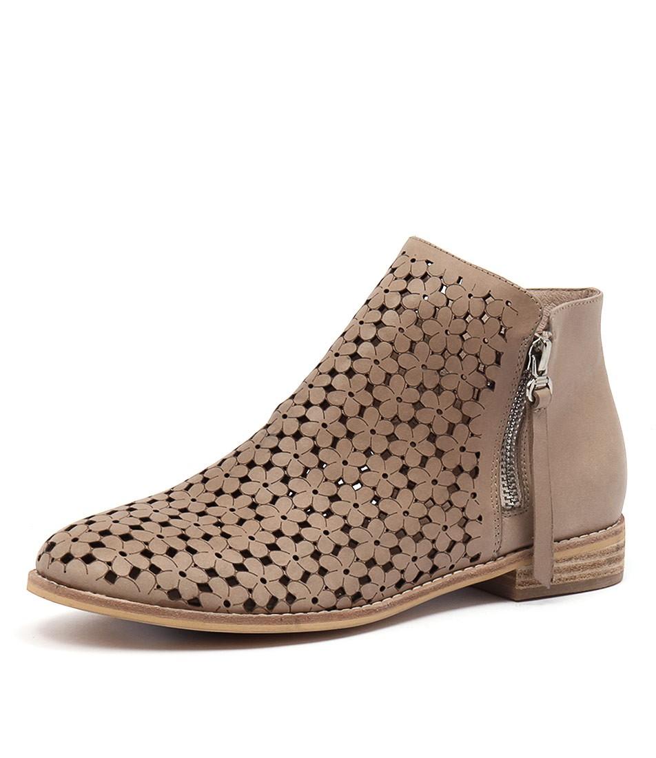 New Django Amp Juliette Alex Dk Beige Dk Beige Womens Shoes