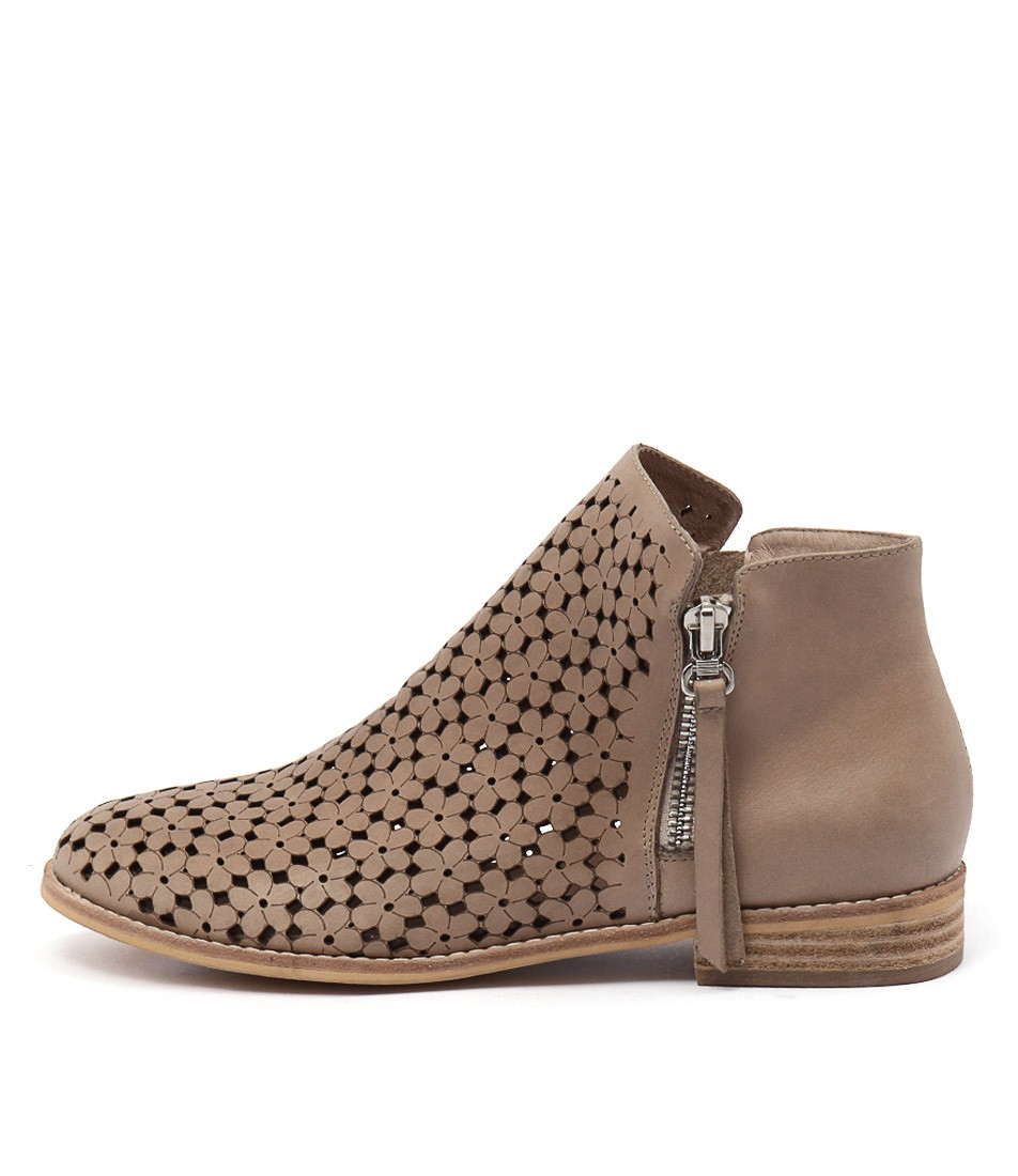 Django & Juliette Alex Dk Beige Dk Beige Casual Ankle Boots