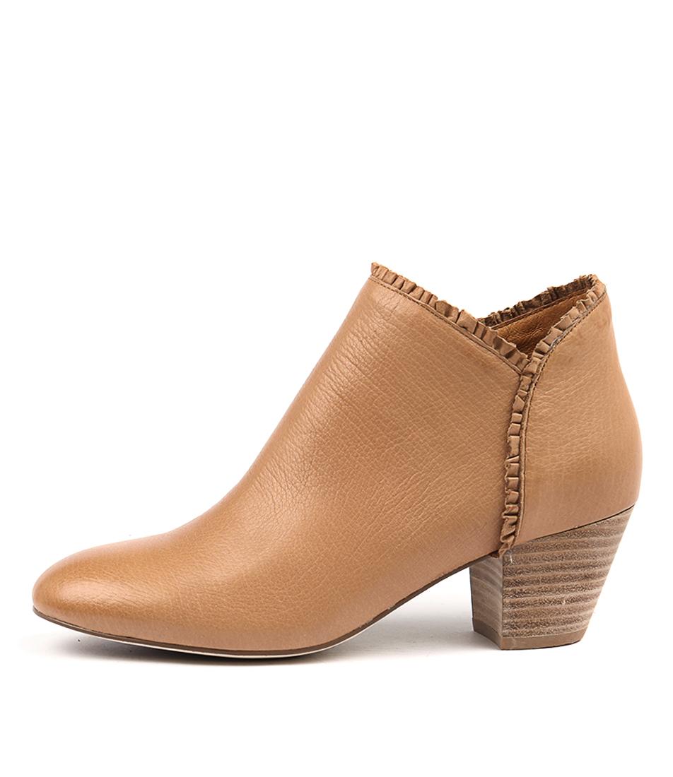 Django & Juliette Henni Dk Tan Ankle Boots