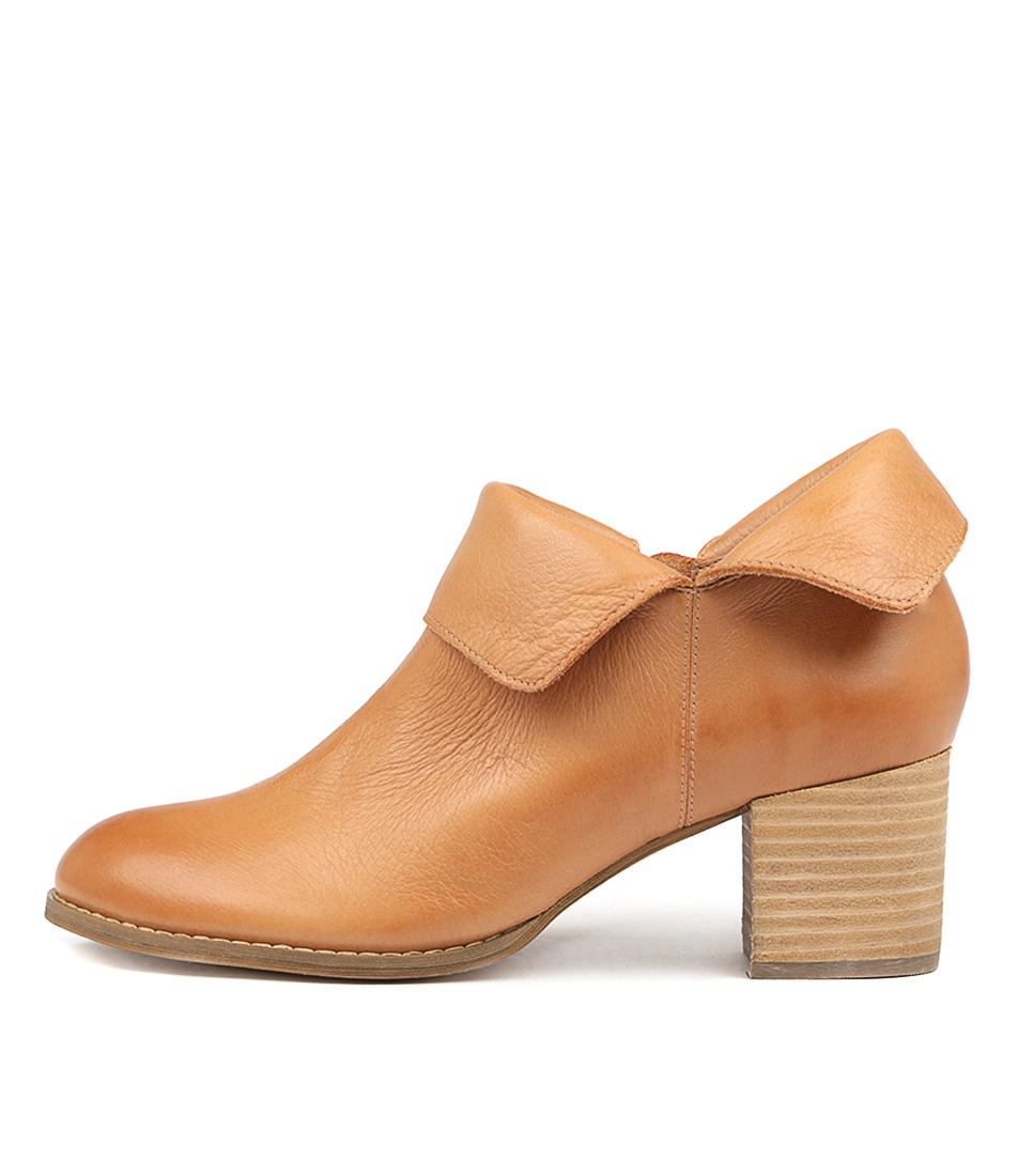 Django & Juliette Santo Dk Tan Ankle Boots