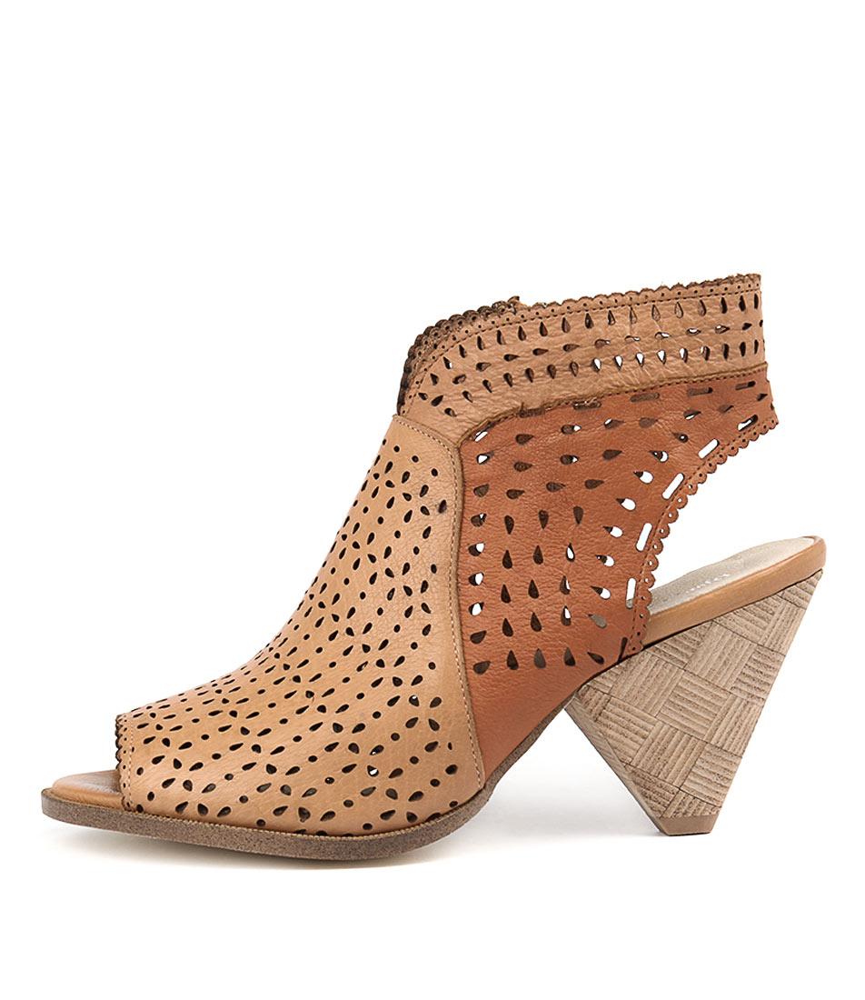 Django & Juliette Ofive Whisky Cognac T Heeled Sandals