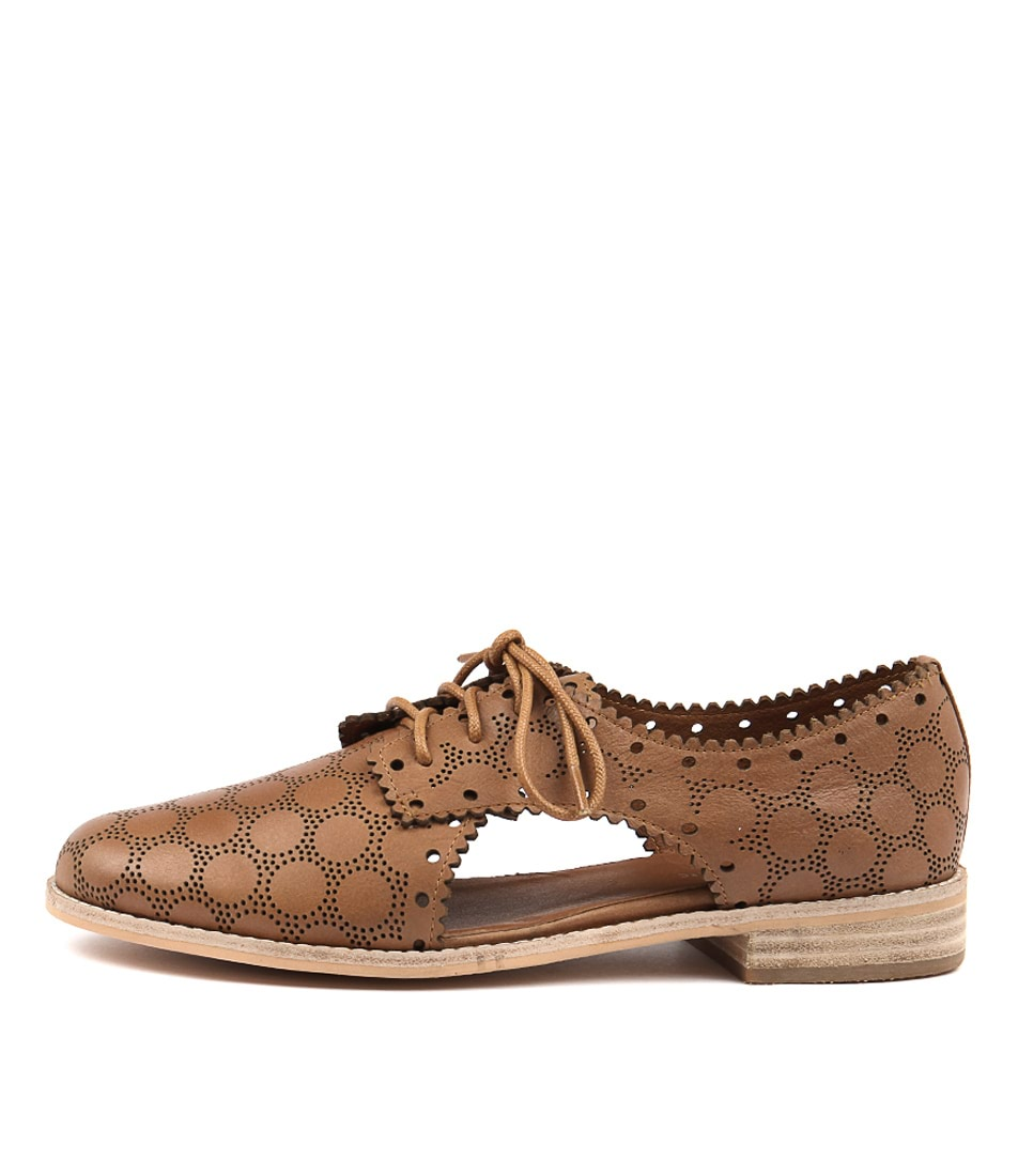 Django & Juliette Alps Tan Flat Shoes