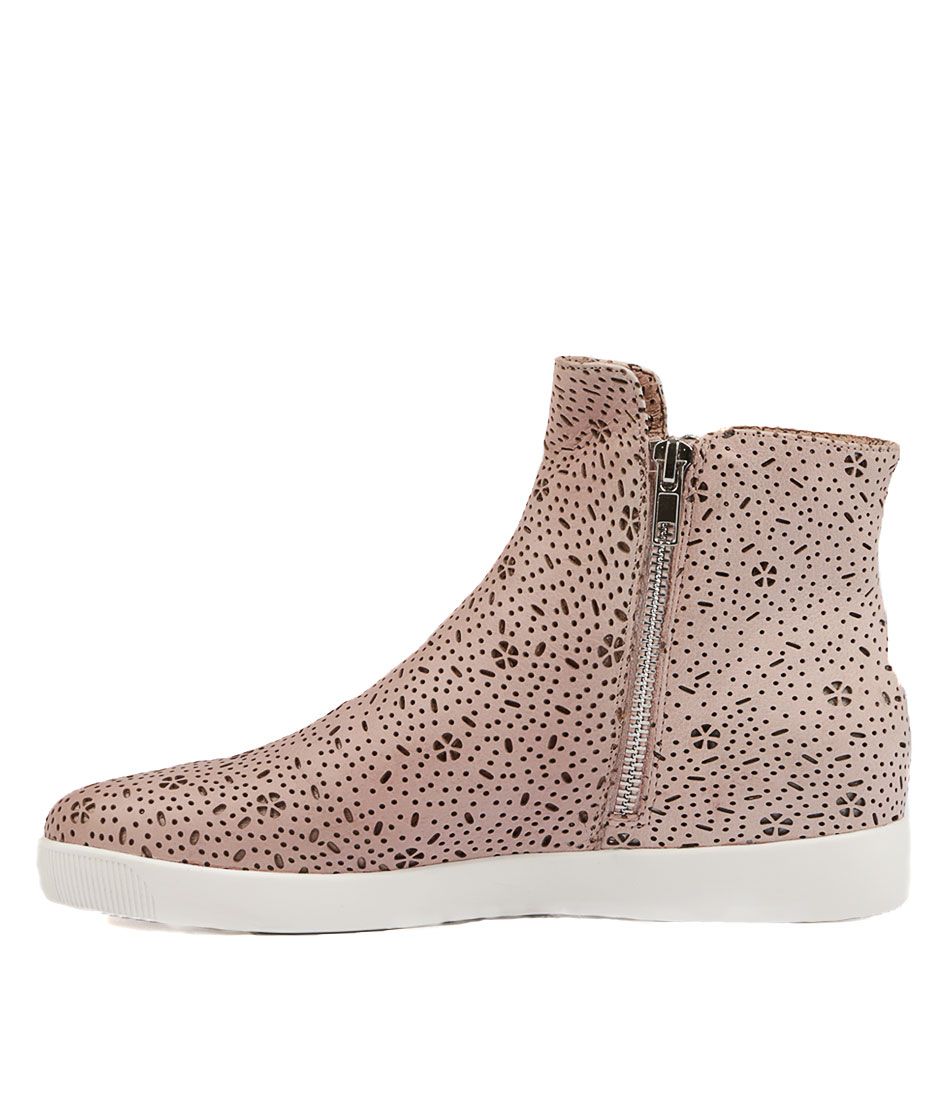 Django & Juliette Glamora Pale Pink Sneakers