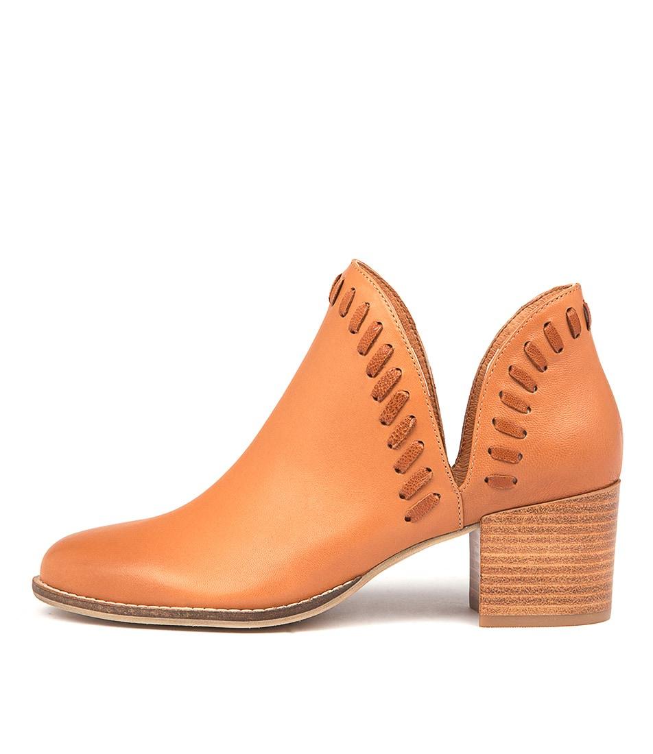 Django & Juliette Marisols Tan Dk Tan Ankle Boots