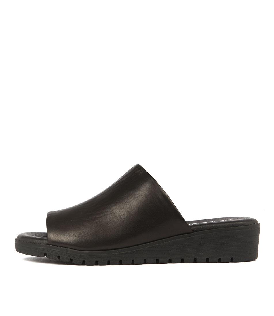 Django & Juliette Merries Black All Over Casual Flat Sandals