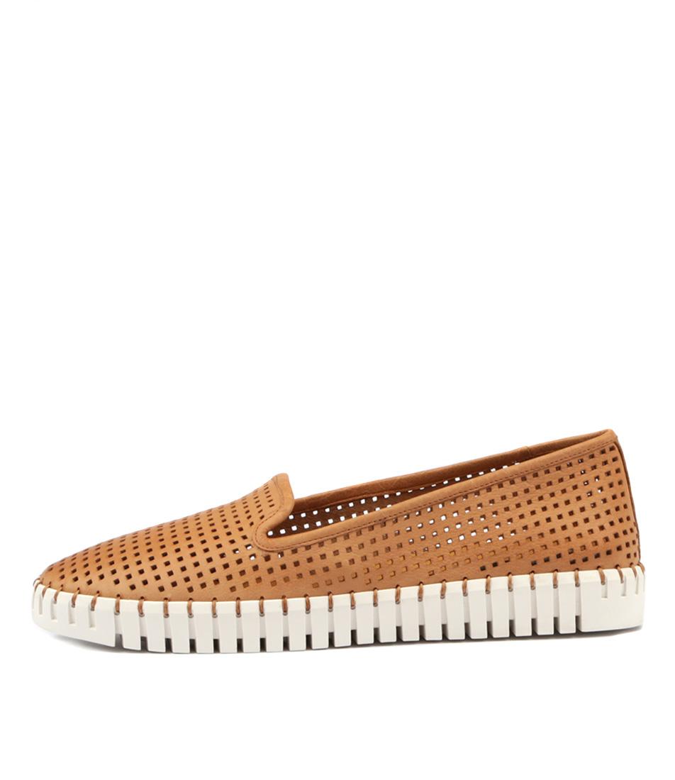 Django & Juliette Hollie Tan Flat Shoes